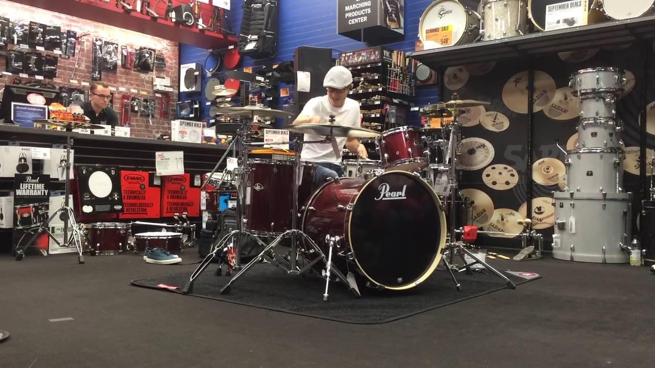 Austin Holicki : Güzel drum coverlar yapan bi abimiz